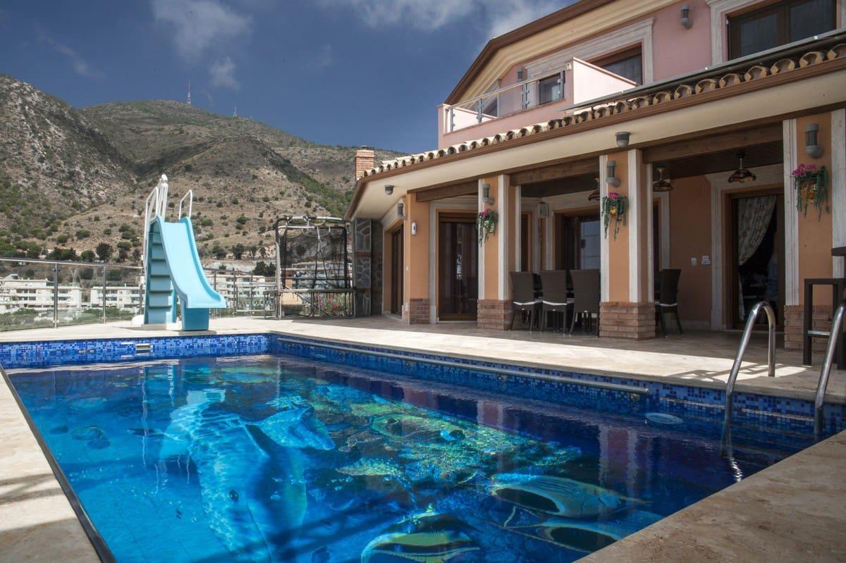 6 bedroom Villa for sale in Benalmadena with pool garage - € 2,800,000 (Ref: 4617811)