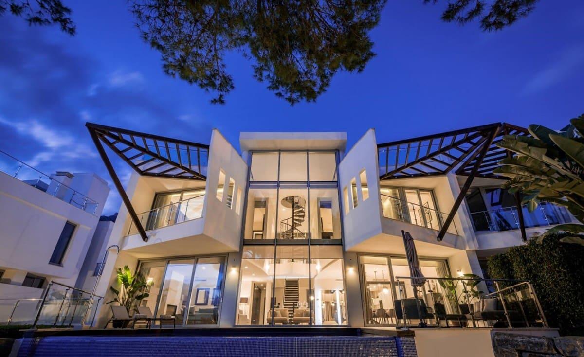 4 bedroom Semi-detached Villa for sale in Marbella with pool garage - € 1,947,500 (Ref: 4670323)