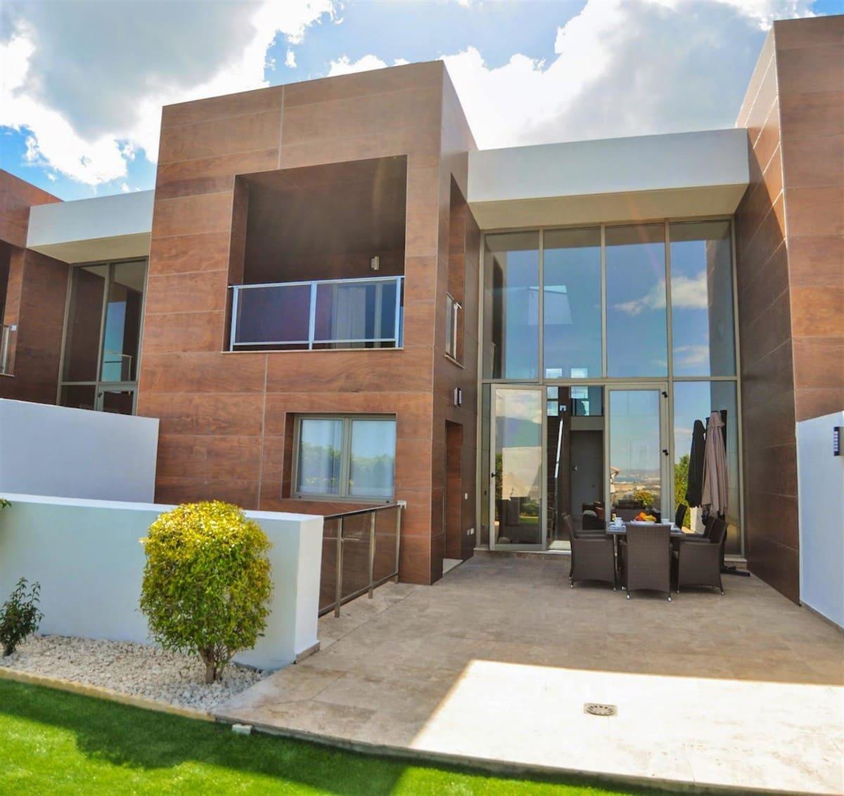 3 sovrum Semi-fristående Villa att hyra i Benahavis med pool garage - 3 500 € (Ref: 4760408)