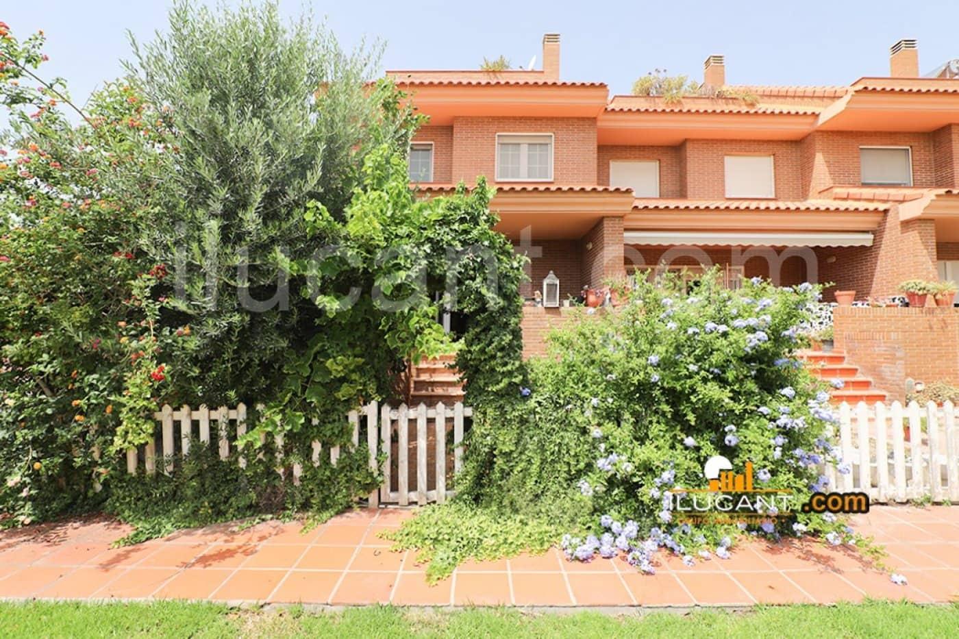 3 slaapkamer Bungalow te huur in Alicante stad met zwembad garage - € 1.200 (Ref: 4659754)