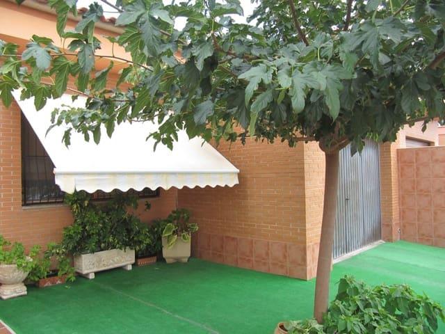 Adosado de 4 habitaciones en Pinoso en venta con garaje - 156.000 € (Ref: 4965501)