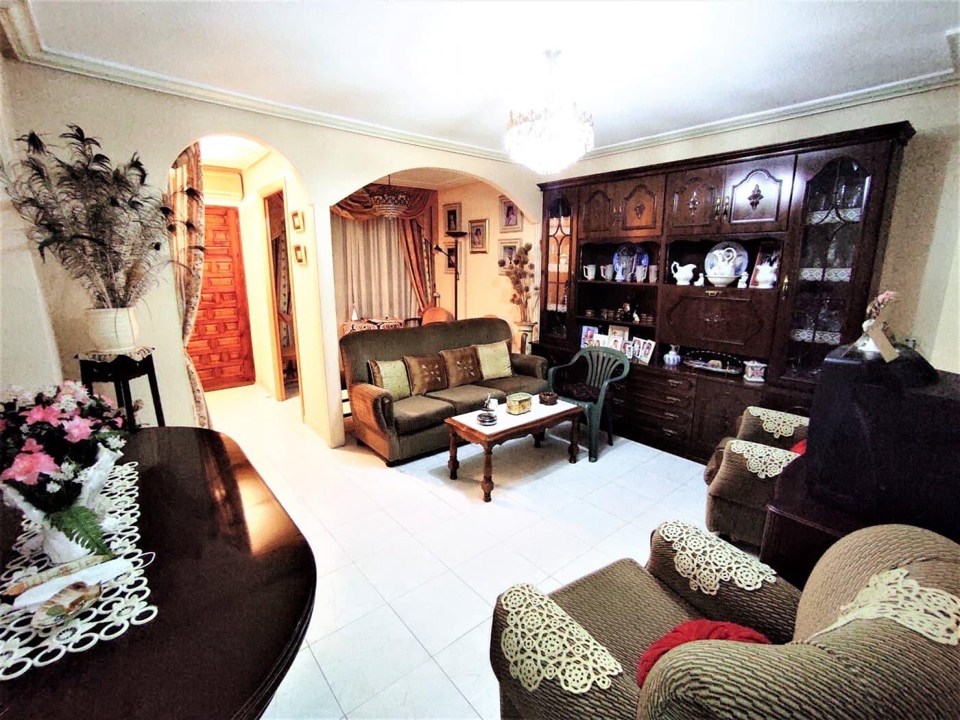 1 soveværelse Lejlighed til leje i La Romana med garage - € 375 (Ref: 5938206)