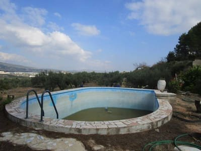 5 bedroom Villa for sale in Moixent with pool - € 60,000 (Ref: 3139065)