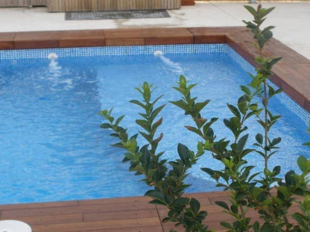 5 bedroom Hotel for sale in Moixent with pool - € 470,000 (Ref: 3139474)