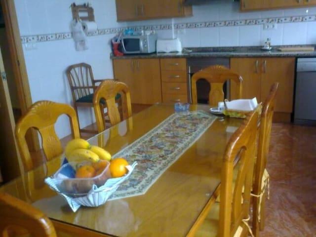 3 chambre Villa/Maison Mitoyenne à vendre à Rotgla i Corbera avec garage - 144 000 € (Ref: 3139477)