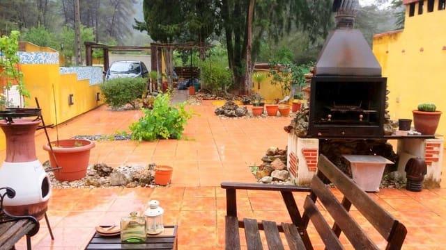 Chalet de 4 habitaciones en Alboy en venta con piscina - 200.000 € (Ref: 3480867)