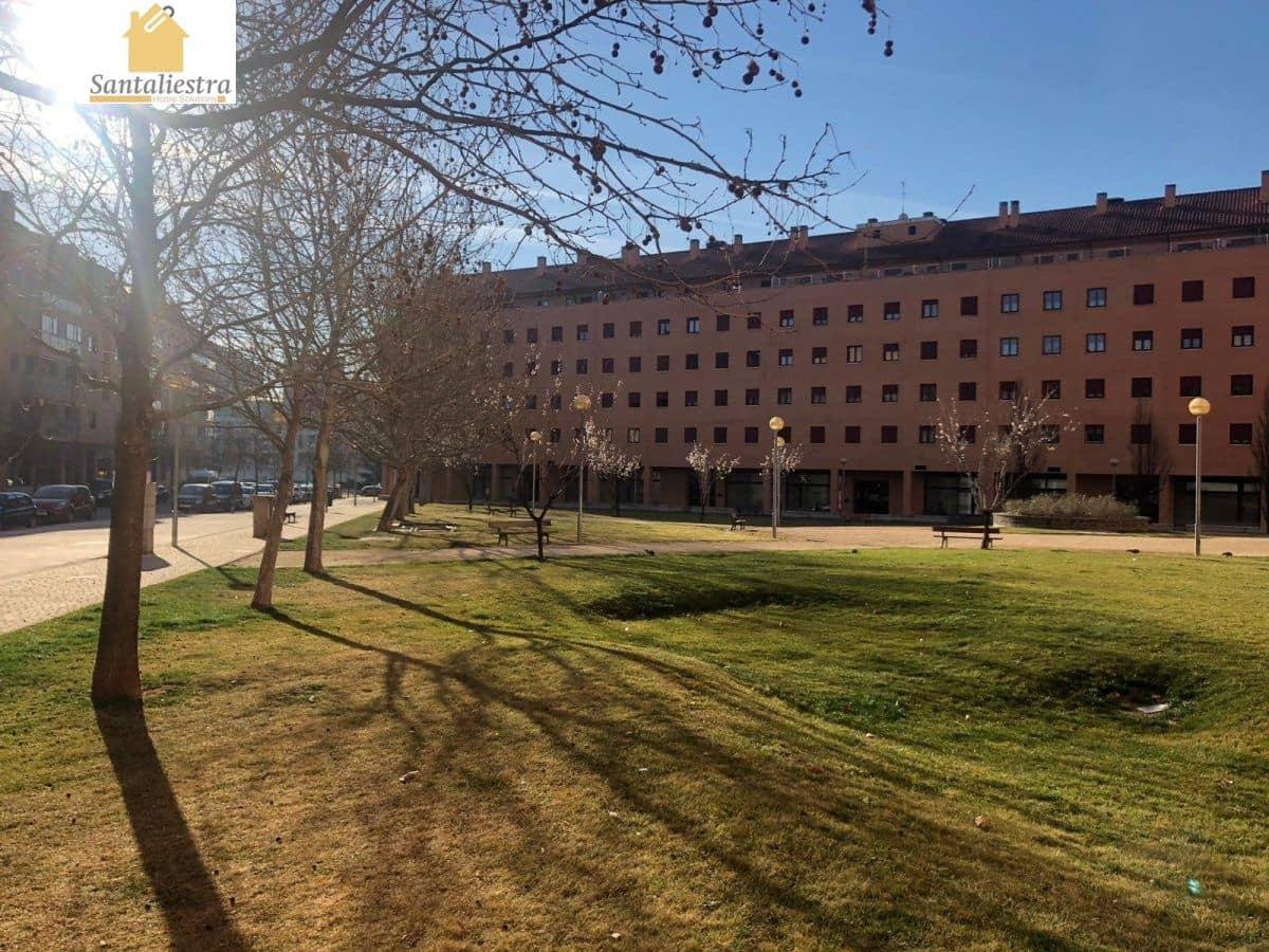 Kommersiell til salgs i Huesca by - € 51 664 (Ref: 4497415)
