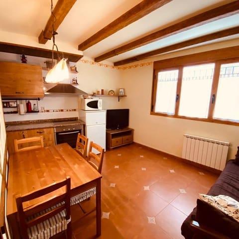 Apartamento de 2 habitaciones en Benabarre en venta con garaje - 69.000 € (Ref: 5617296)