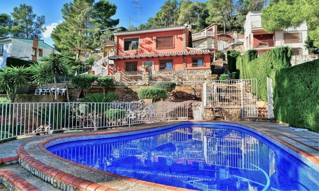 4 soveværelse Villa til salg i Serra med swimmingpool - € 285.000 (Ref: 6091504)