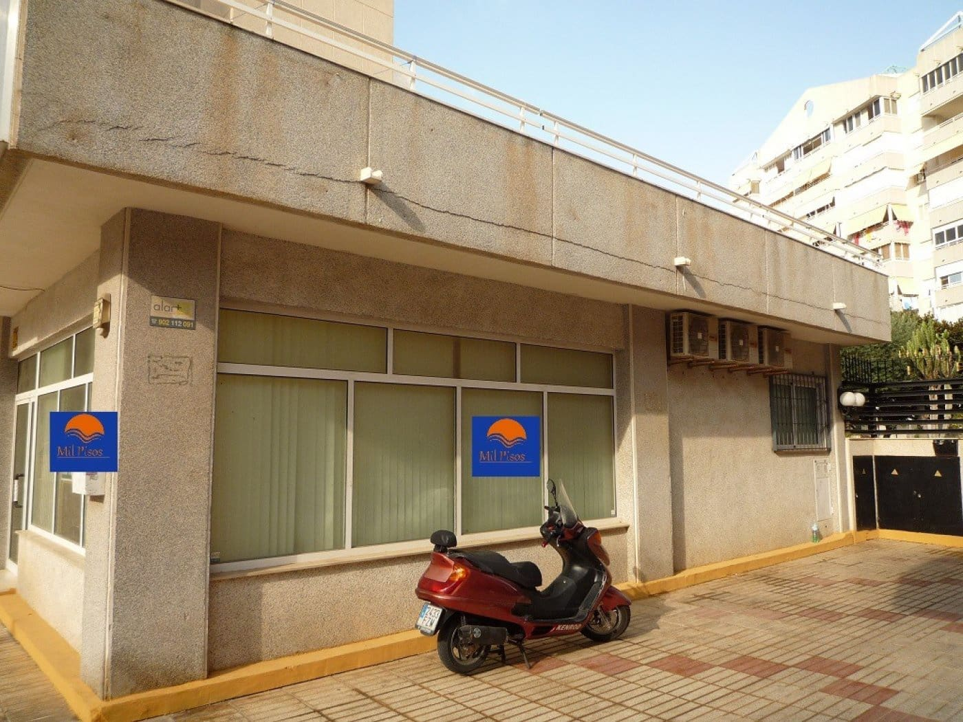 Commercial for sale in Finestrat - € 120,000 (Ref: 4695943)
