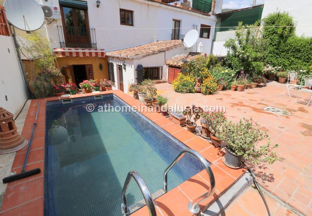 Casa de 4 habitaciones en Murchas en venta con piscina - 150.000 € (Ref: 5028198)
