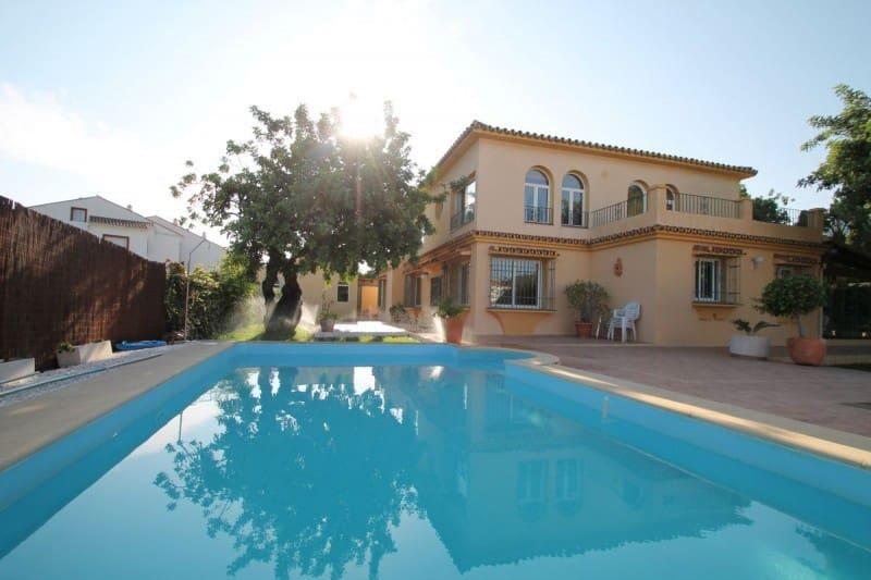 4 bedroom Villa for sale in Marbella with pool garage - € 1,100,000 (Ref: 4036323)