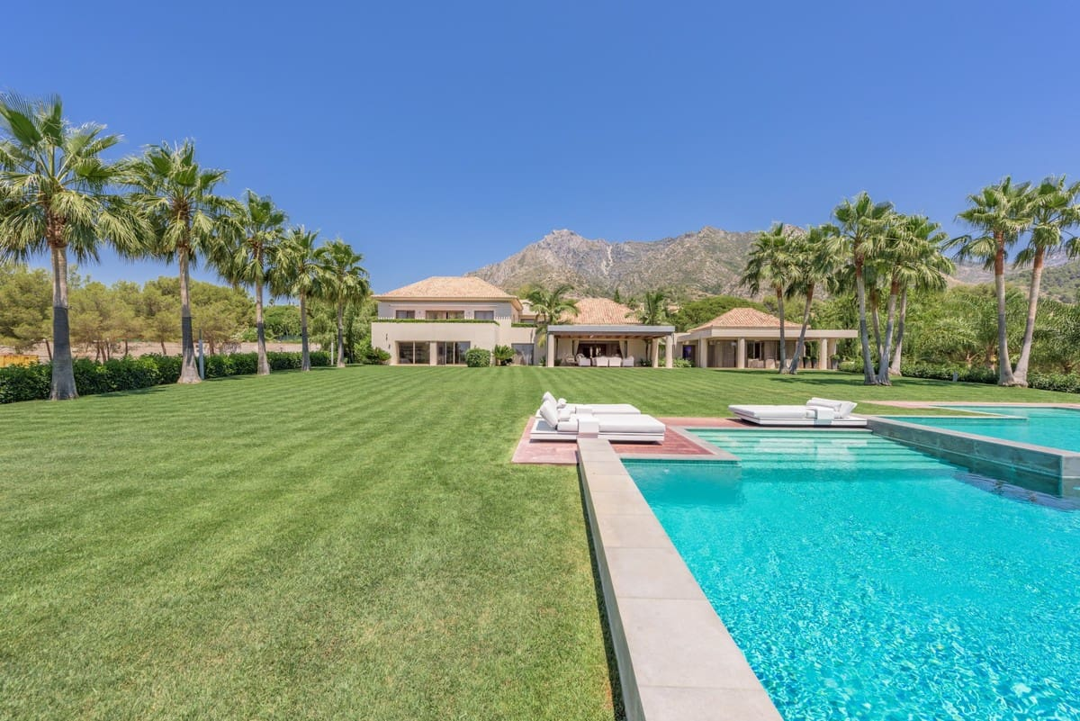 9 bedroom Villa for sale in Marbella with pool - € 14,950,000 (Ref: 4663035)