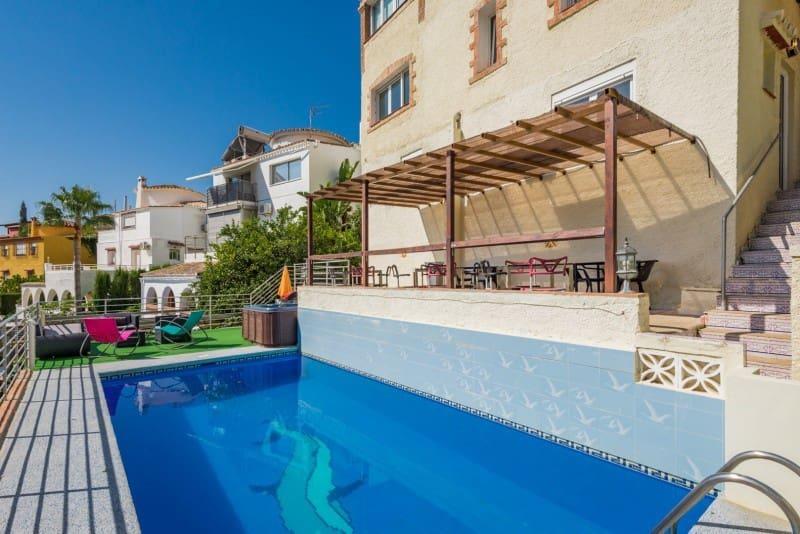 7 bedroom Villa for sale in Benalmadena with pool - € 599,000 (Ref: 4749192)