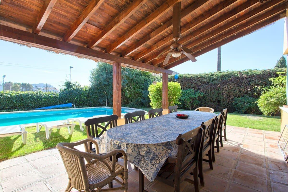 8 Zimmer Villa zu verkaufen in San Pedro de Alcantara mit Pool Garage - 650.000 € (Ref: 4892193)