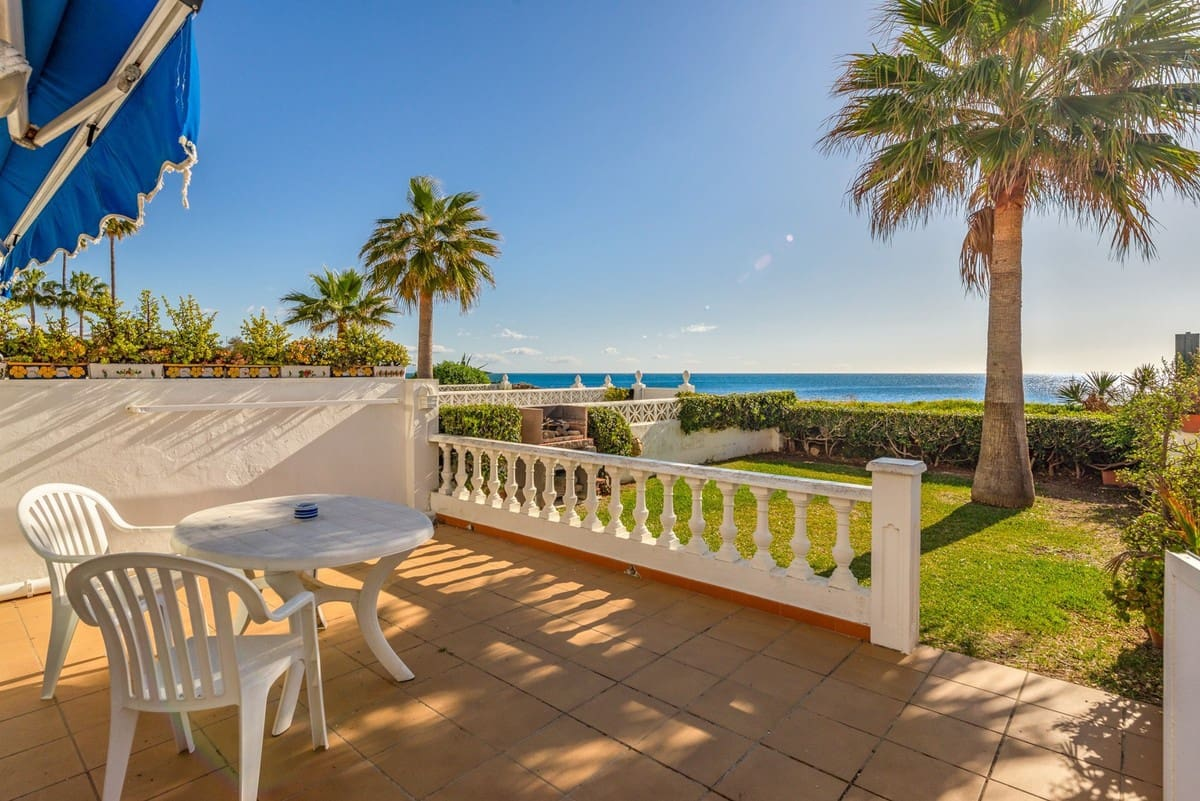 2 bedroom Townhouse for sale in Manilva with pool - € 285,000 (Ref: 5160040)