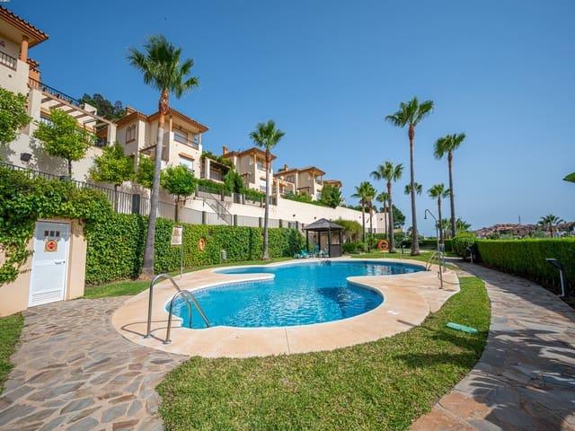 3 soverom Kjedet enebolig til salgs i Riviera del Sol med svømmebasseng garasje - € 315 000 (Ref: 5368648)