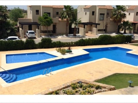 2 slaapkamer Penthouse te huur in Roda met zwembad - € 750 (Ref: 4201094)