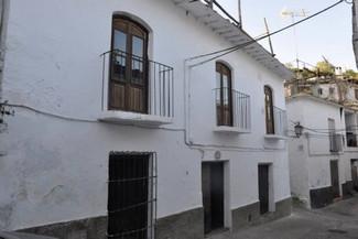 8 soverom Rekkehus til salgs i La Taha - € 250 000 (Ref: 3174465)
