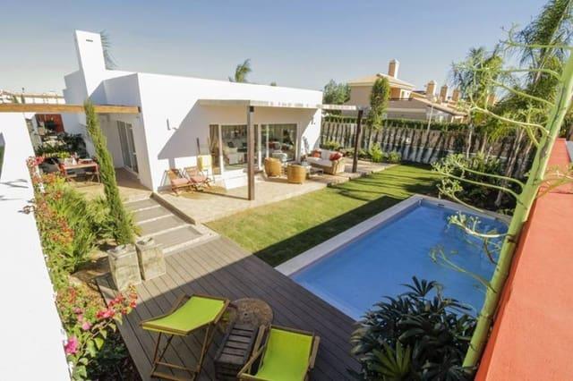 3 makuuhuone Huvila myytävänä paikassa Mar de Cristal mukana uima-altaan - 340 000 € (Ref: 6075145)