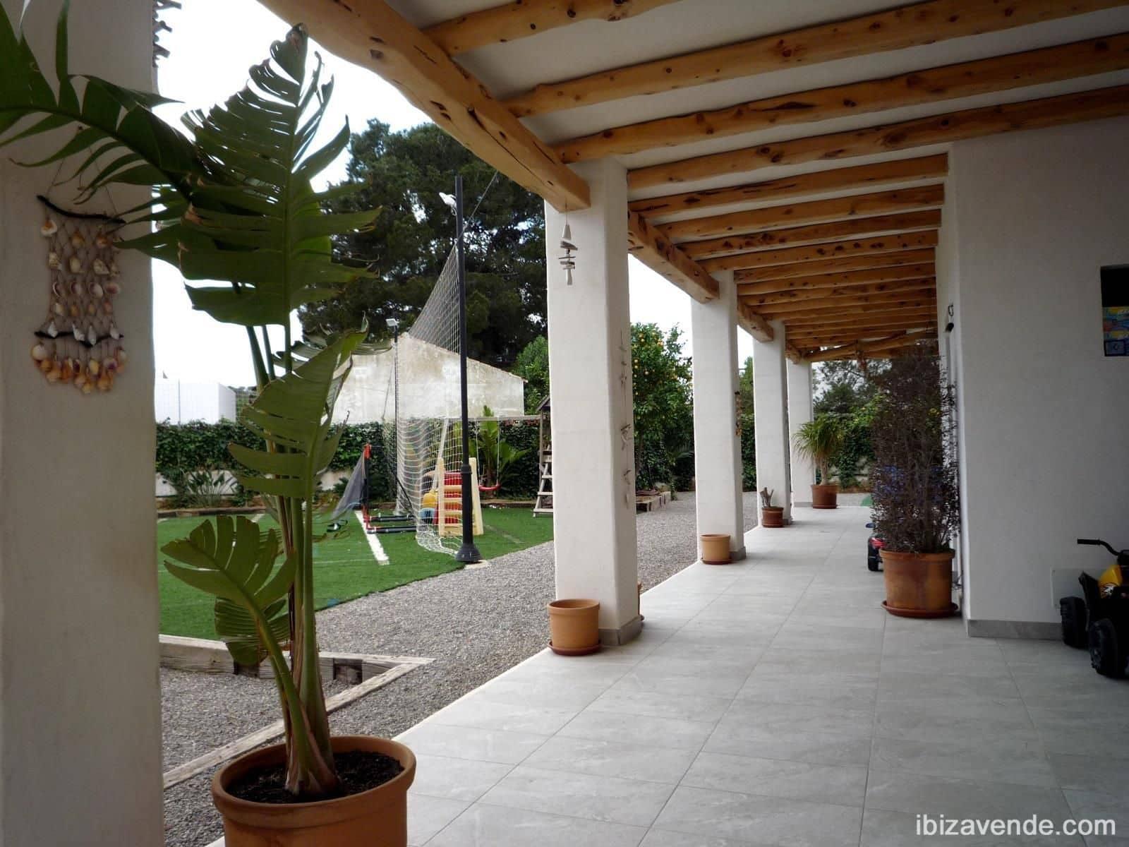 3 slaapkamer Villa te huur in Sant Antoni de Portmany met garage - € 4.200 (Ref: 5164696)