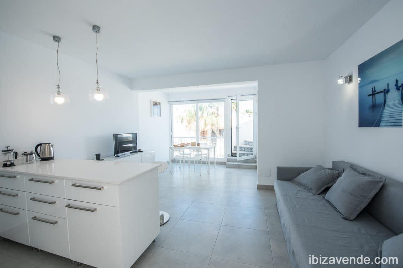 1 slaapkamer Appartement te huur in San Jose / Sant Josep de Sa Talaia - € 1.000 (Ref: 5531949)