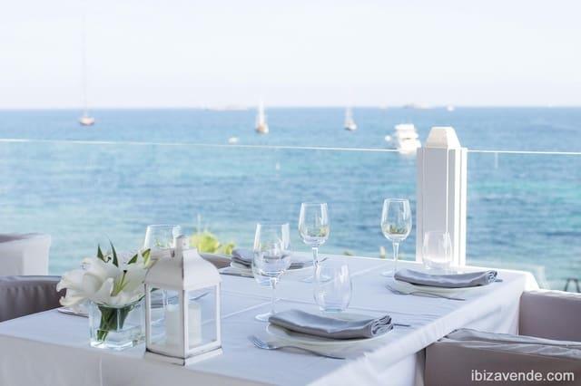 Kommersiell til leie i Ibiza by - € 2 920 (Ref: 5902879)