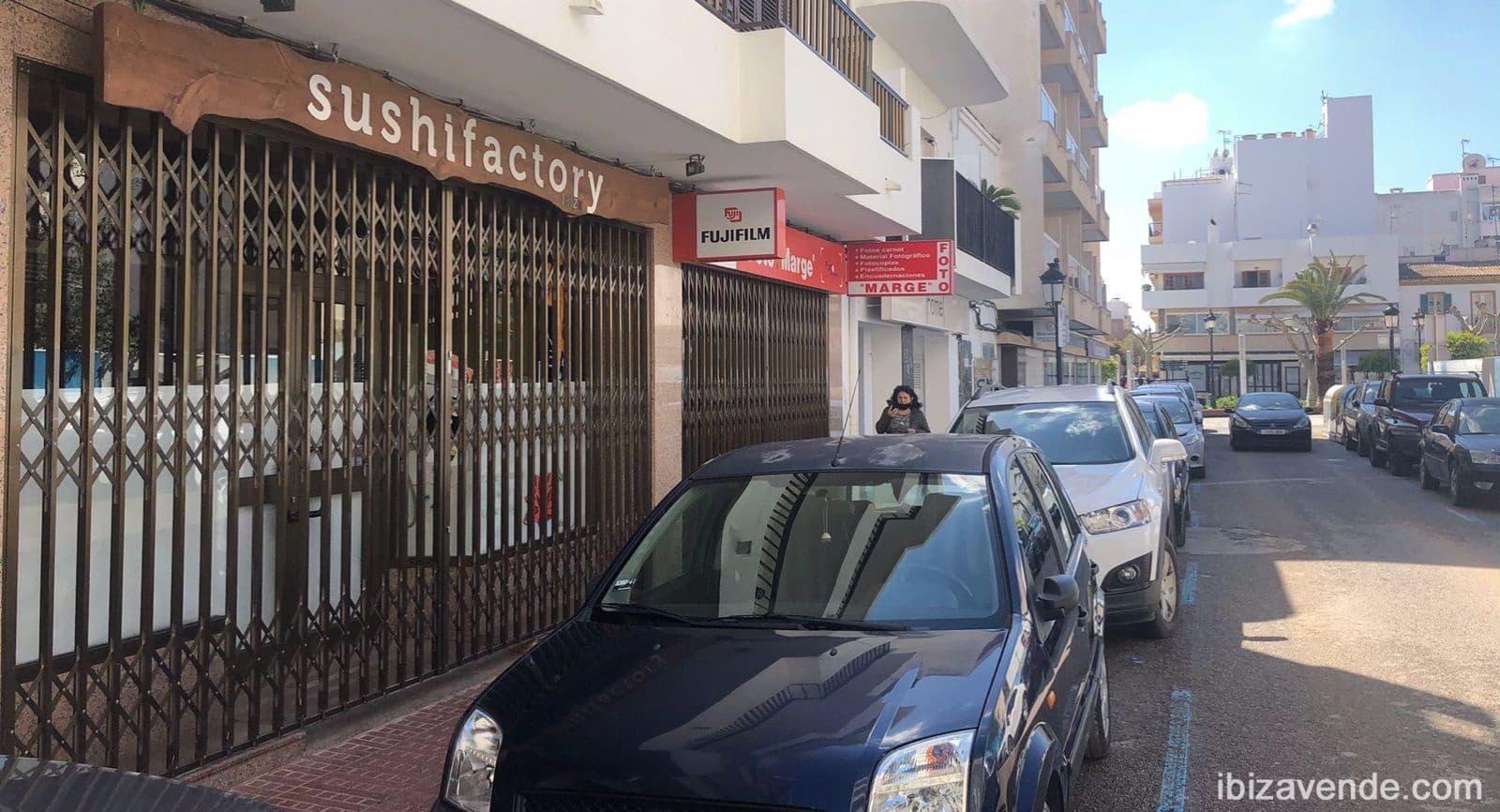 Erhverv til leje i Santa Eulalia / Santa Eularia - € 1.500 (Ref: 5978627)