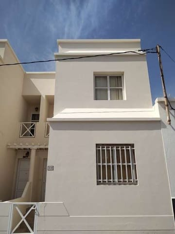 2 bedroom Semi-detached Villa for sale in Arrecife - € 150,000 (Ref: 5572956)