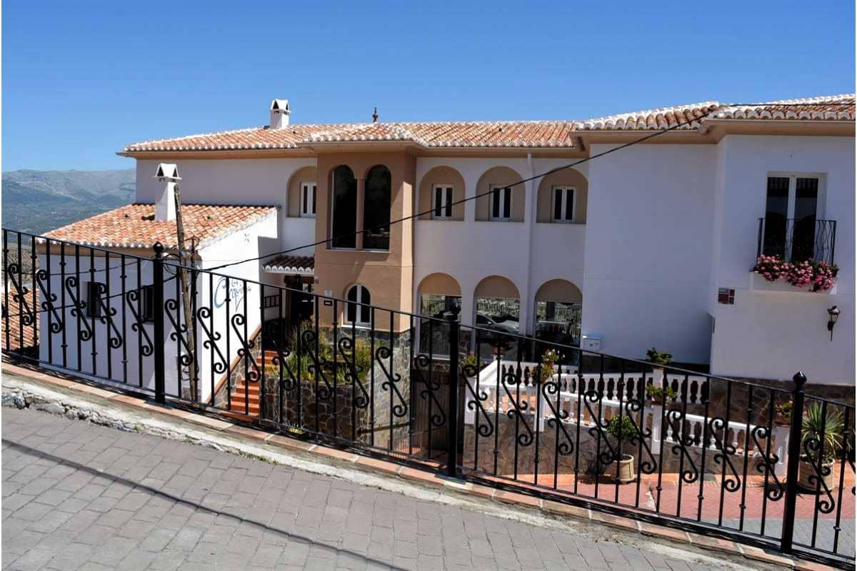 7 bedroom Commercial for sale in Puente de Don Manuel with pool garage - € 825,000 (Ref: 3409604)