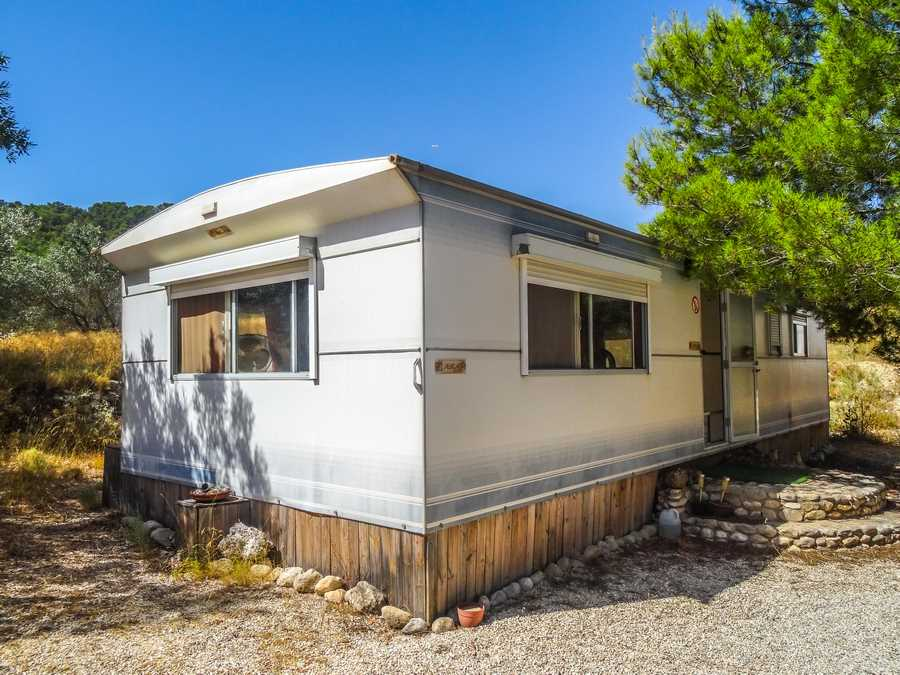 4 bedroom Mobile Home for sale in Pinoso with pool - € 150,000 (Ref: 3539504)