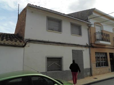 4 bedroom Townhouse for sale in Pinoso with pool - € 55,000 (Ref: 5429229)