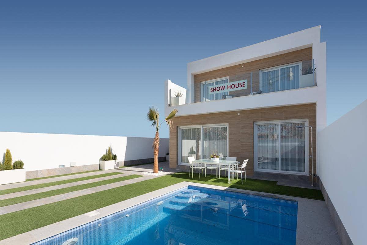 Chalet de 3 habitaciones en Pilar de la Horadada en venta con piscina garaje - 274.000 € (Ref: 4372112)