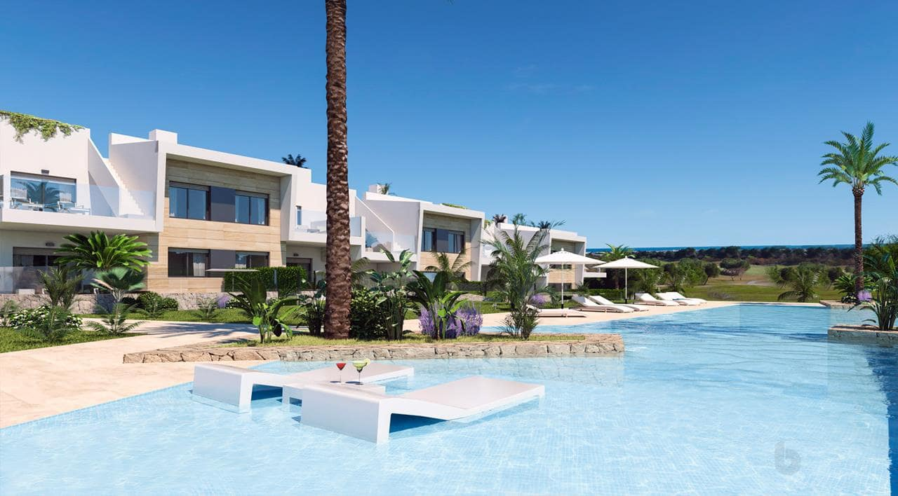 Bungalow de 2 habitaciones en Pilar de la Horadada en venta con piscina - 159.900 € (Ref: 4472778)