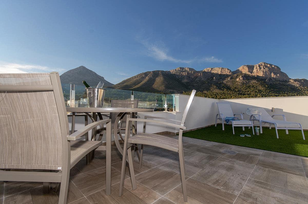 Chalet de 3 habitaciones en Polop en venta con piscina - 197.500 € (Ref: 4687118)