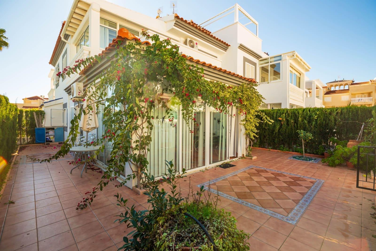 Chalet de 3 habitaciones en Playa Flamenca en venta con piscina - 180.000 € (Ref: 5079728)