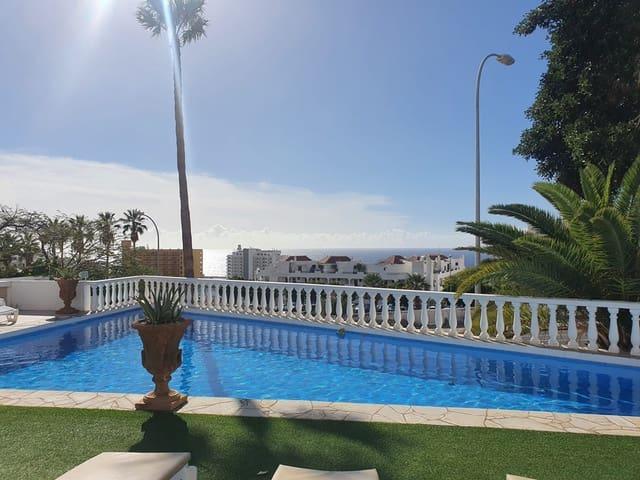 4 sovrum Semi-fristående Villa till salu i San Eugenio med pool - 595 000 € (Ref: 5828659)
