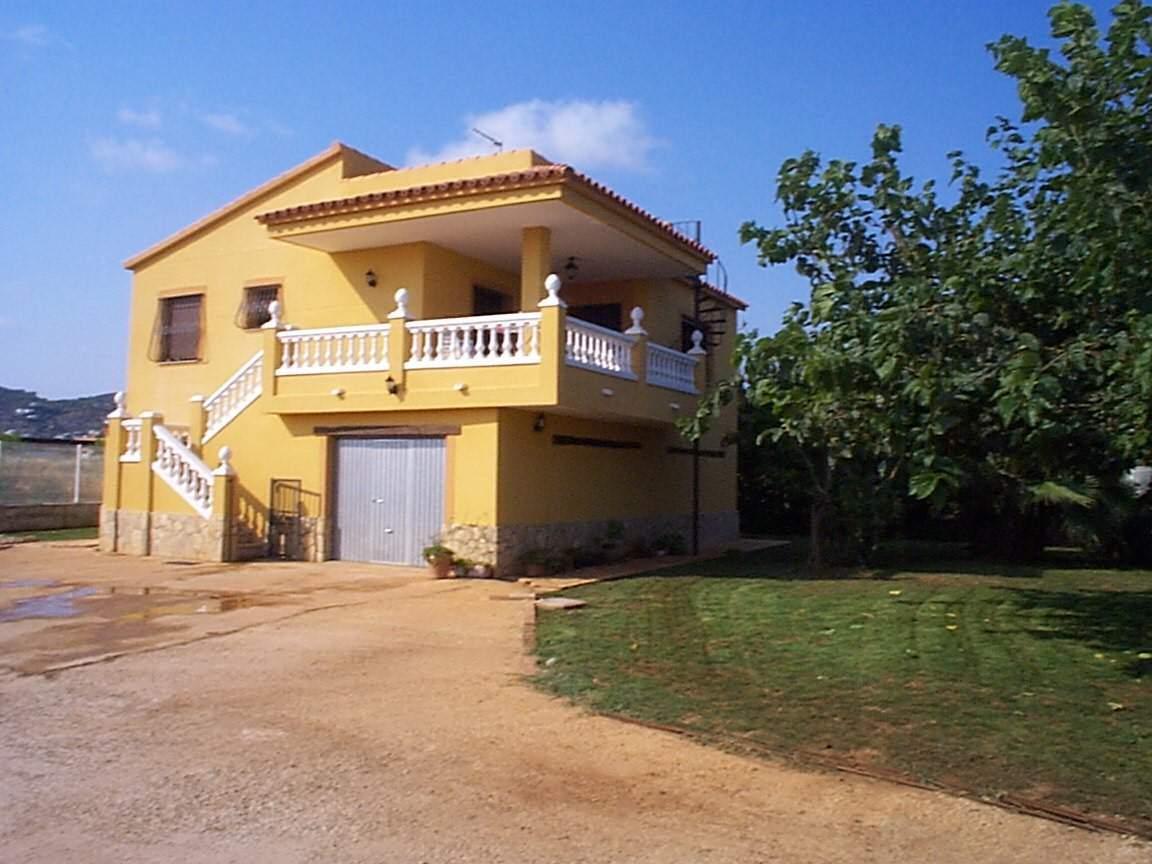Chalet de 4 habitaciones en Alcossebre en venta con garaje - 290.000 € (Ref: 3156650)