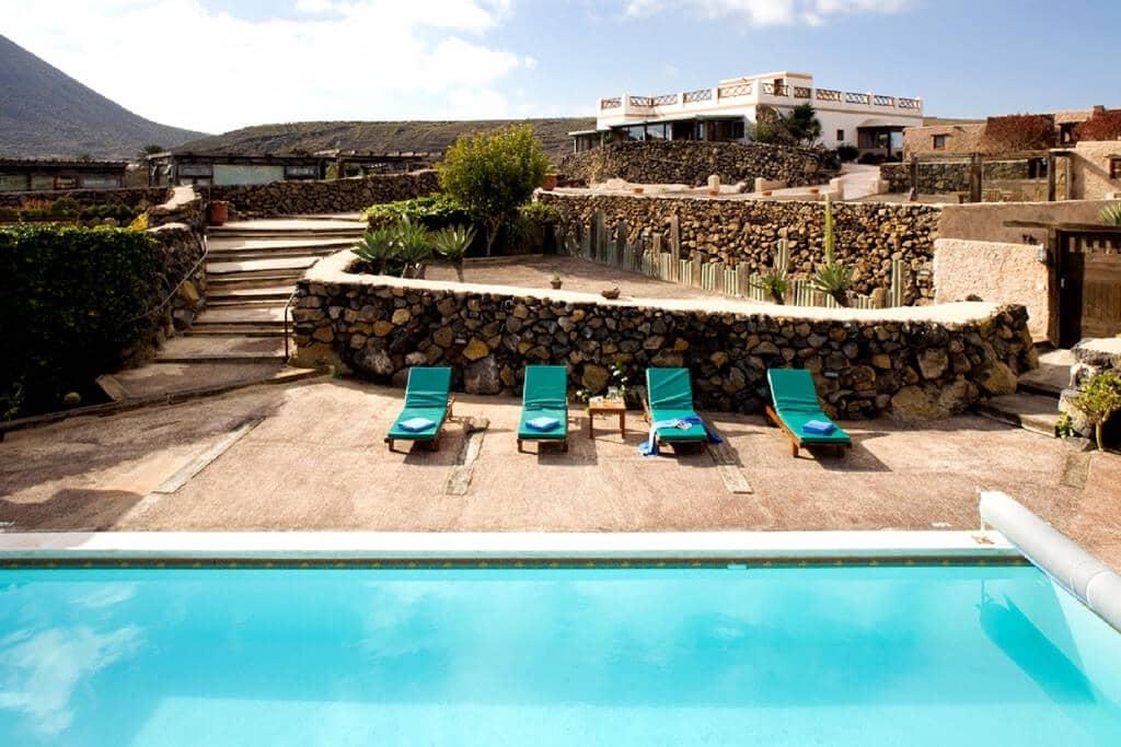 Pensión/Hostal de 11 habitaciones en Ye en venta con piscina garaje - 1.799.000 € (Ref: 4187136)