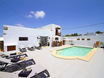 6 bedroom Guesthouse/B & B for sale in Tiagua with pool garage - € 695,000 (Ref: 4534352)