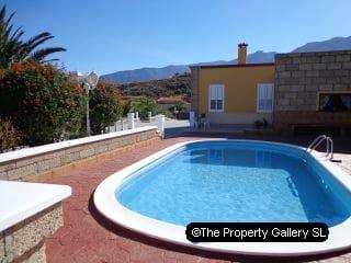 6 soverom Villa til salgs i Candelaria med svømmebasseng garasje - € 1 490 000 (Ref: 2315719)