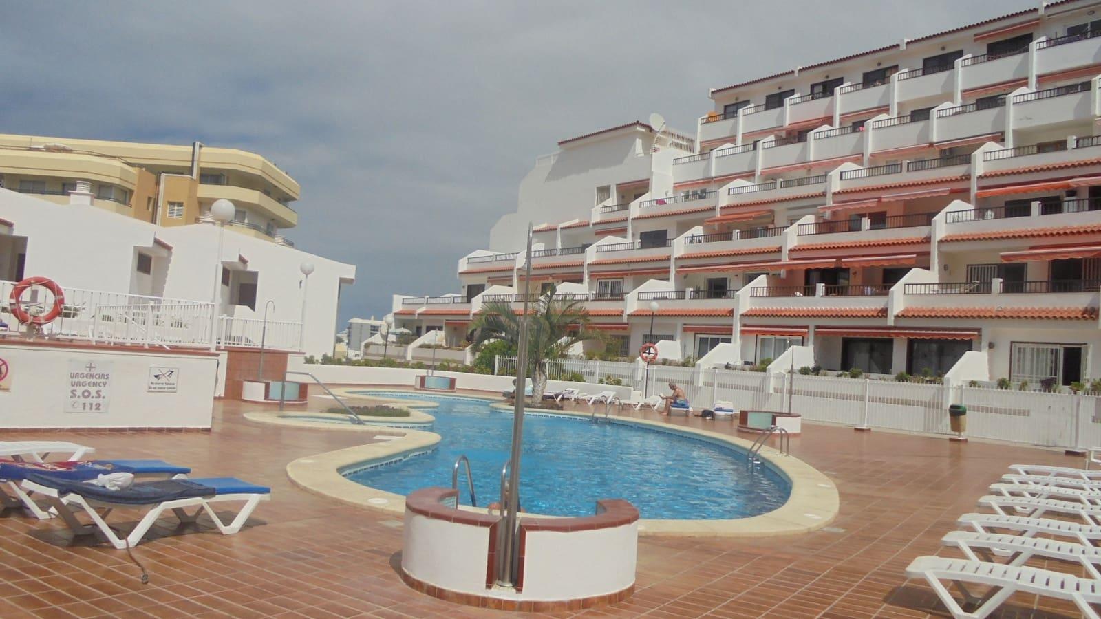 1 slaapkamer Appartement te huur in San Eugenio met zwembad - € 1.050 (Ref: 4779993)