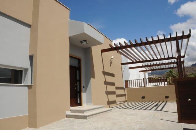 4 sovrum Hus till salu i San Eugenio med pool - 790 000 € (Ref: 5545528)