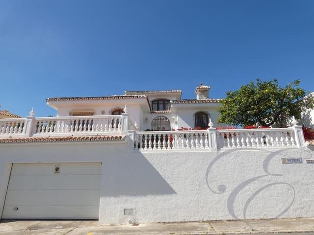 5 chambre Villa/Maison à vendre à La Cala del Moral avec piscine garage - 525 000 € (Ref: 4667462)