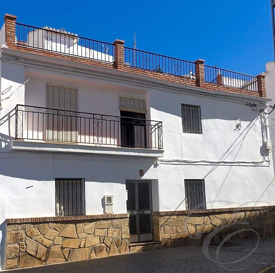 8 bedroom Villa for sale in Canillas de Aceituno - € 215,000 (Ref: 4667646)