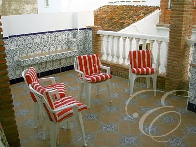 2 bedroom Villa for sale in Benamargosa - € 104,000 (Ref: 4667661)