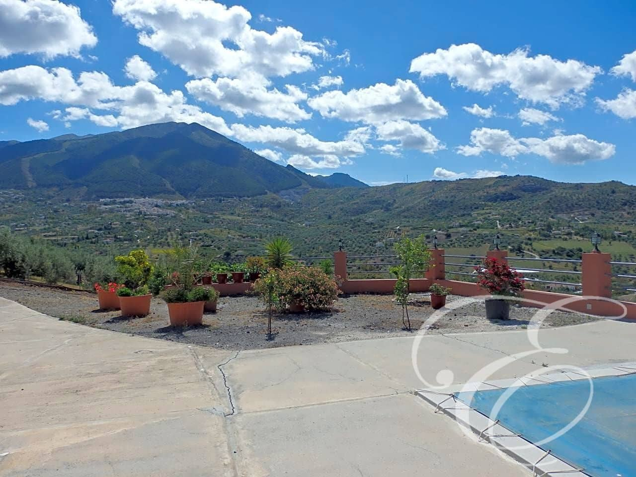 3 bedroom Finca/Country House for sale in Alcaucin with pool - € 180,000 (Ref: 4667685)