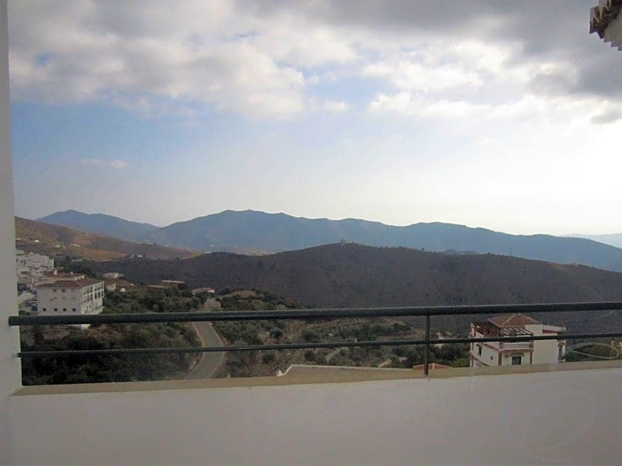 2 bedroom Apartment for sale in Canillas de Aceituno with pool - € 124,000 (Ref: 4667763)