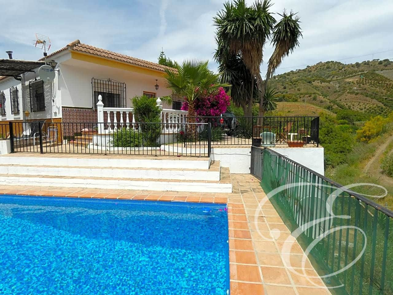 4 bedroom Finca/Country House for sale in Benamargosa with pool - € 180,000 (Ref: 4667777)