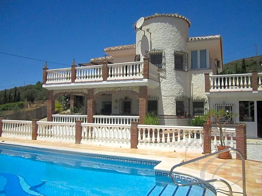 3 bedroom Finca/Country House for sale in Alcaucin with pool garage - € 350,000 (Ref: 4667784)
